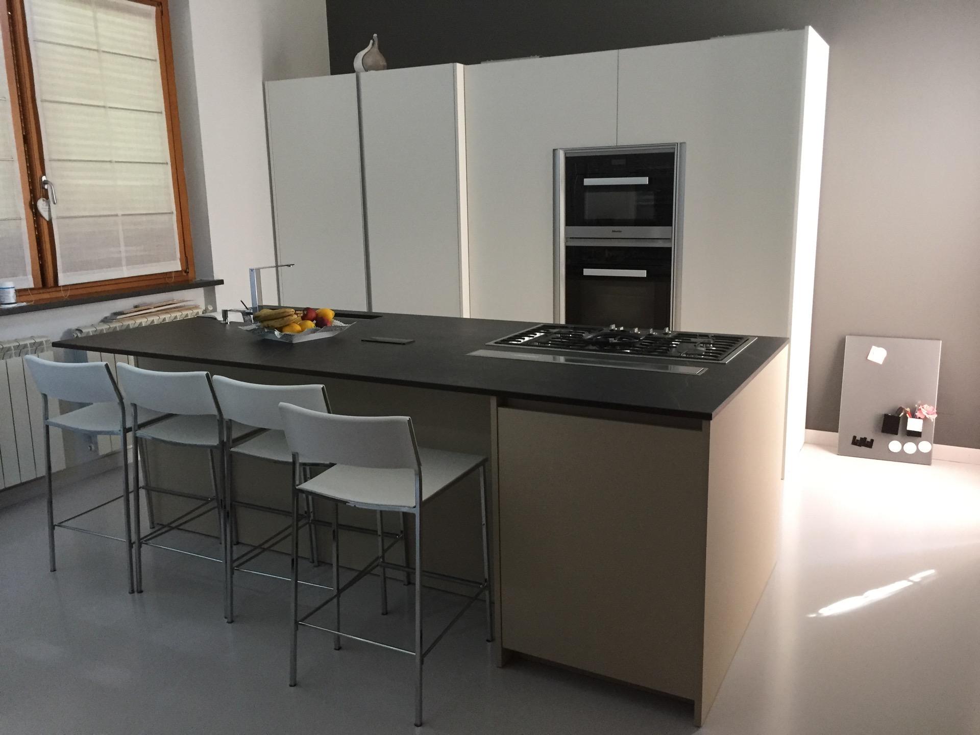 ERNESTOMEDA Progettazione su Misura Cucina One 80 - mobilinino.it